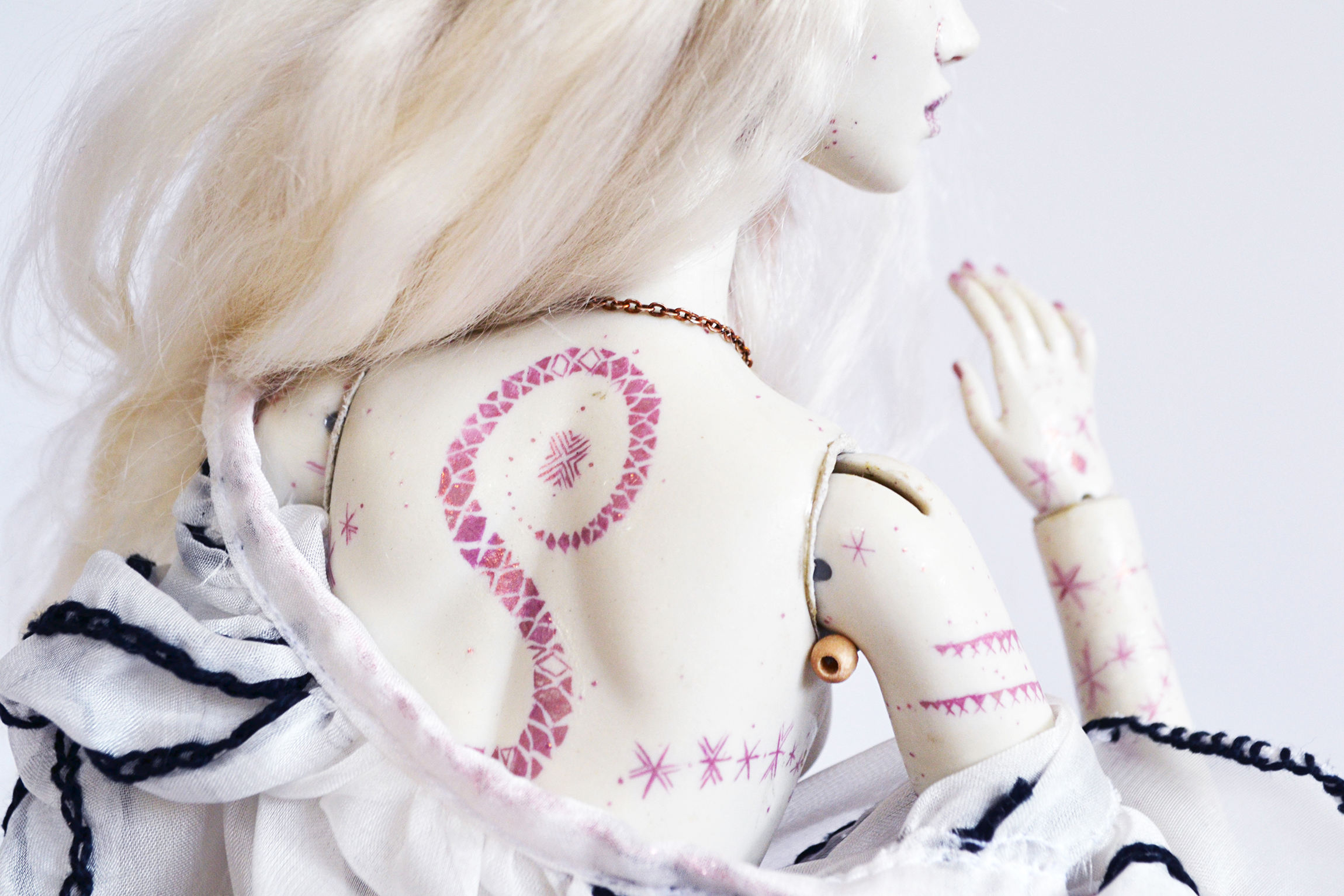 dragostea-doll-back-tattoo-bjd-art-dolls-allistration