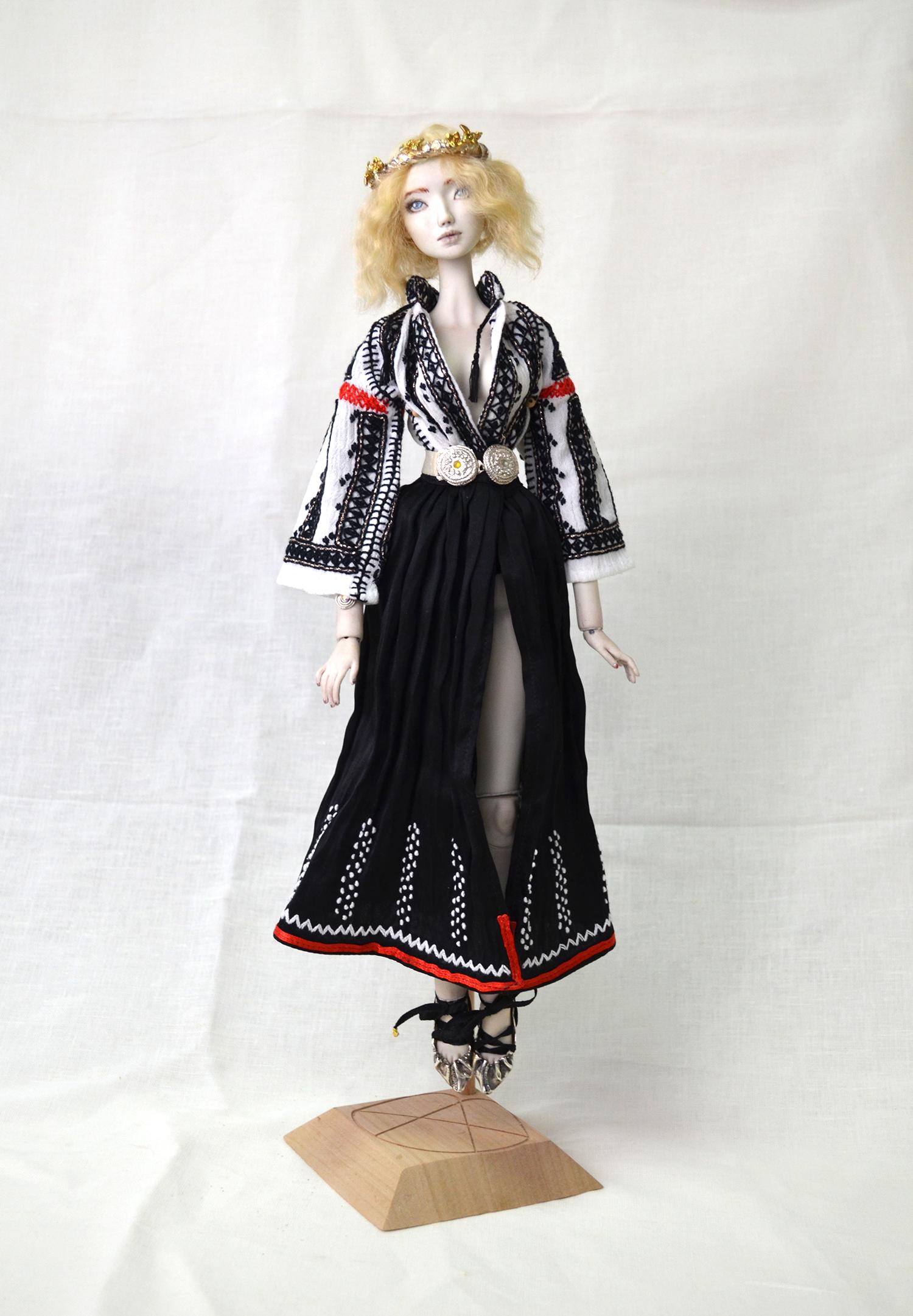 iulia-gorneanu-allistration-doll-3
