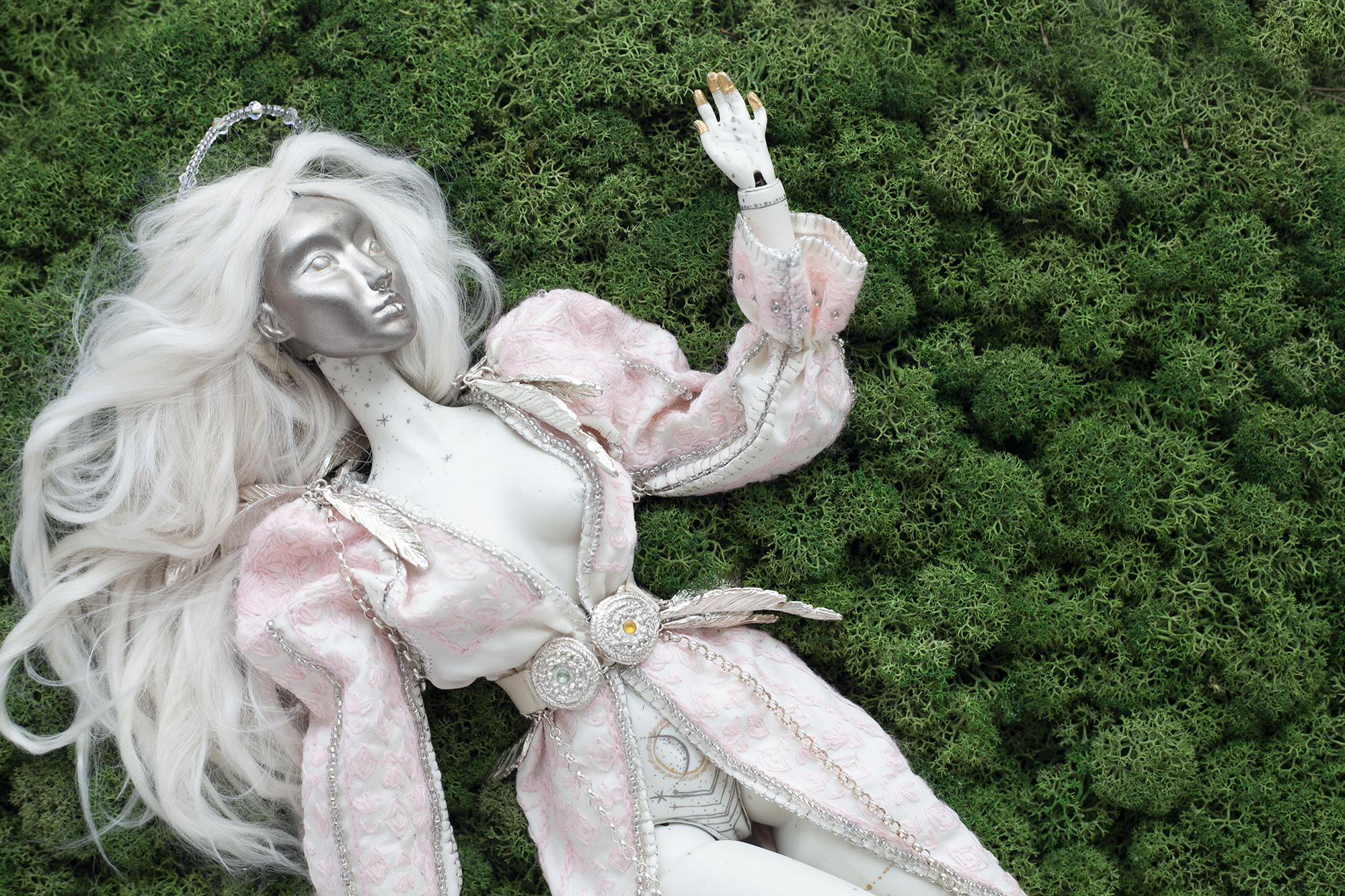 the-moon-doll-bjd-art-doll-alice-green